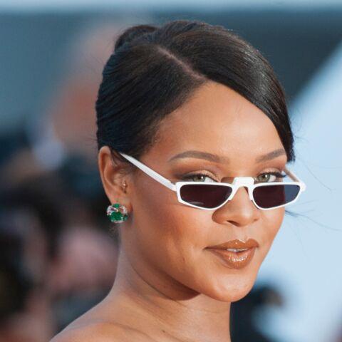 PHOTOS – Rihanna est de nouveau en couple: des baisers plein d'amour dans sa piscine