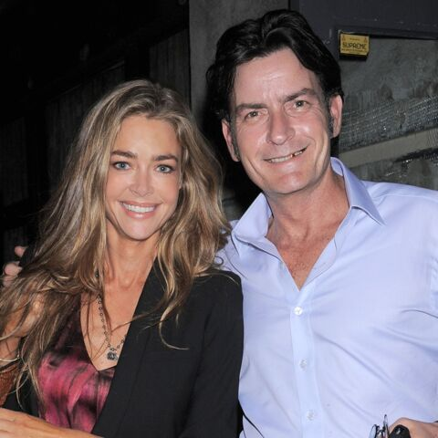 Charlie Sheen met Denise Richards dehors