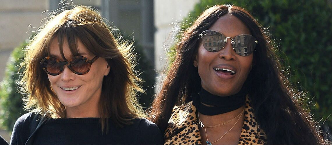 PHOTOS – Carla Bruni et Naomi Campbell bras-dessus bras-dessous devant le Ritz
