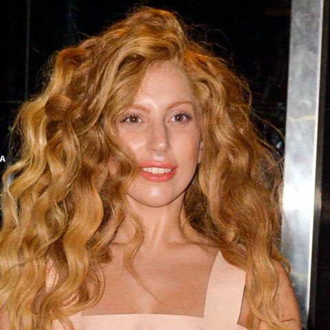 Lady Gaga ne dort jamais sans son Karl Lagerfeld