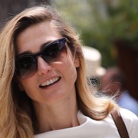 Les coulisses de l'interview de Julie Gayet dans C à vous: Anne-Elisabeth Lemoine explique les conditions de sa venue