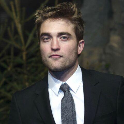 Robert Pattinson passe Noël au bistrot