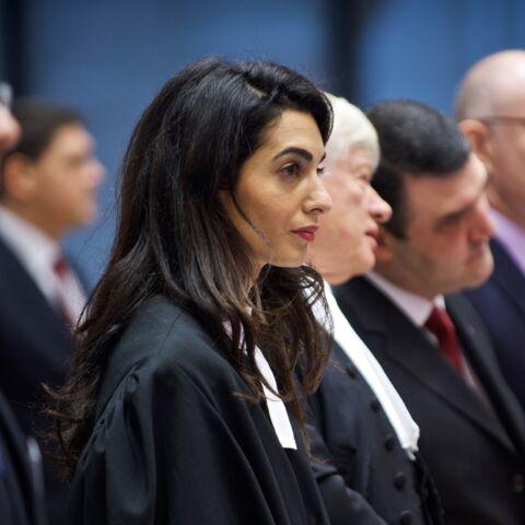 Amal Clooney plaide pour l'humour et le glamour