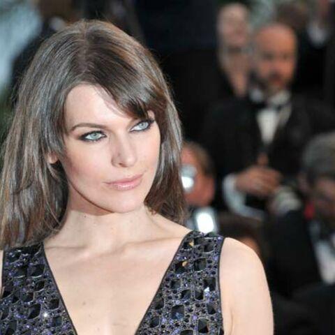 Milla Jovovich: «je lui envoie des photos nue pour qu'il se sente bien»
