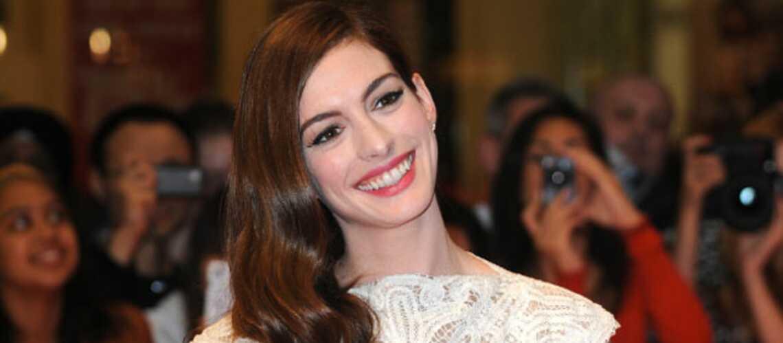 Anne Hathaway, fiancée
