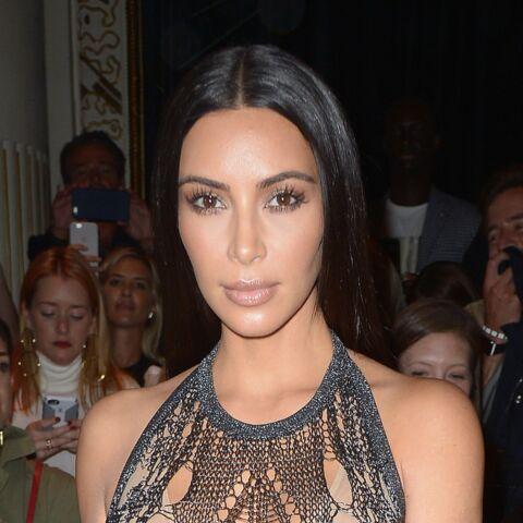 Paris Fashion Week – Kim Kardashian, très déshabillée chez Balmain
