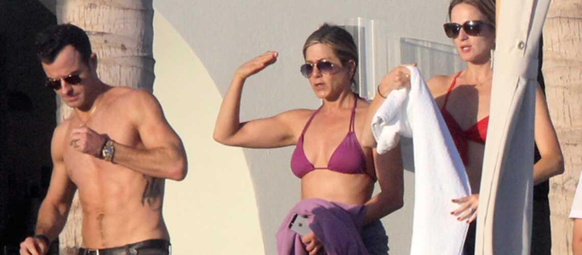 Photos- Jennifer Aniston en bikini, toujours pas de bébé en vue