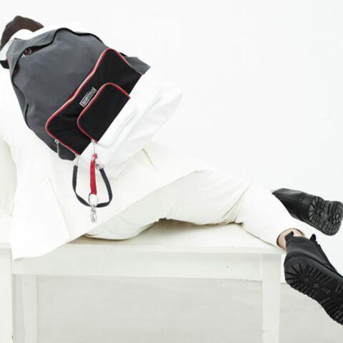 Kris Van Assche dos à dos avec Eastpak