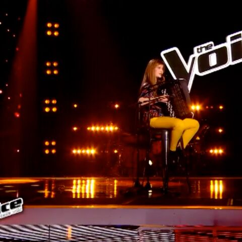 The Voice- Estelle Mazzillo sort l'accordéon