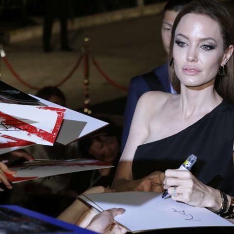 Angelina Jolie, noir c'est noir