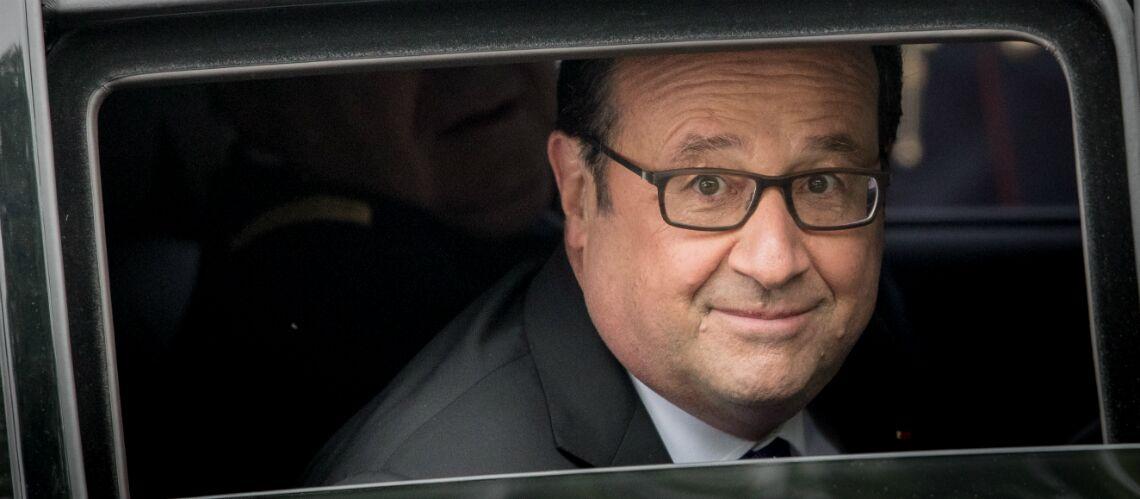 PHOTOS – François Hollande a retrouvé le sourire: l'ancien président affiche sa bonne mine à St-Tropez