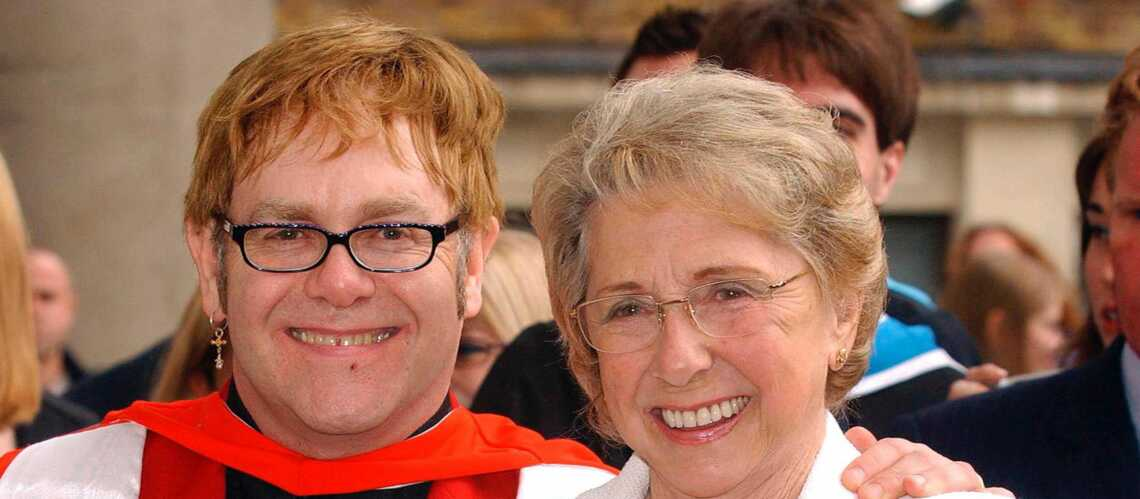 Elton John: il déteste sa mère