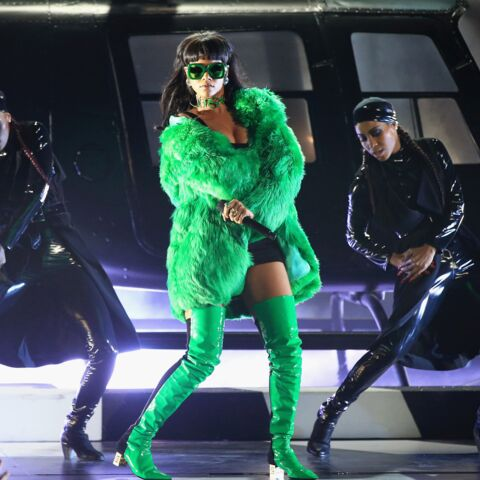 Rihanna, lutine sexy aux iHeartRadio Awards