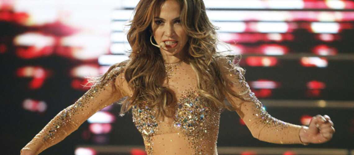 Jennifer Lopez rhabillée par les autorités indonésiennes