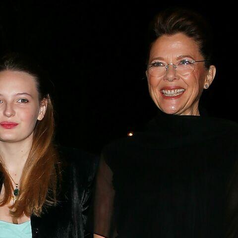 Annette Bening accompagne sa fille au Bal des Débutantes