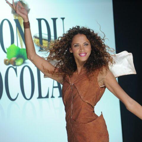 Noémie Lenoir à croquer au salon du chocolat