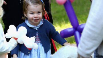 PHOTOS – Kate et William: leur fille Charlotte très tendre avec les animaux