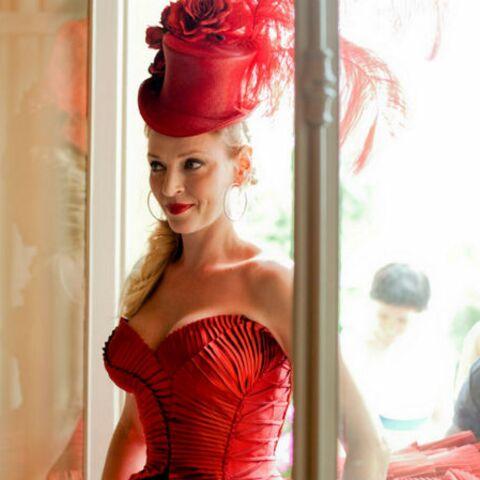 Uma Thurman, égérie glamour de Campari (photos)