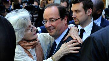 François Hollande: une femme le surveille