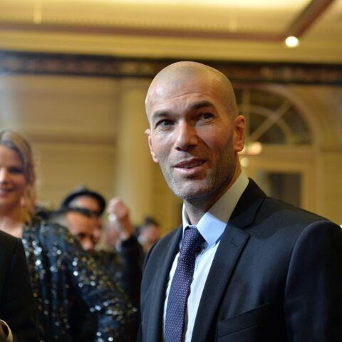 Zinedine Zidane a encore craqué son pantalon