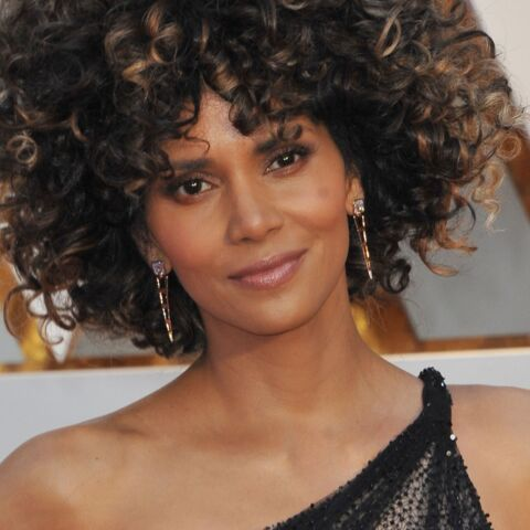 PHOTO – Halle Berry, 50 ans, à moitié nue et sublime au naturel