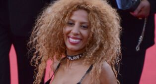 Loana la biographie de loana avec for Biographie de afida turner