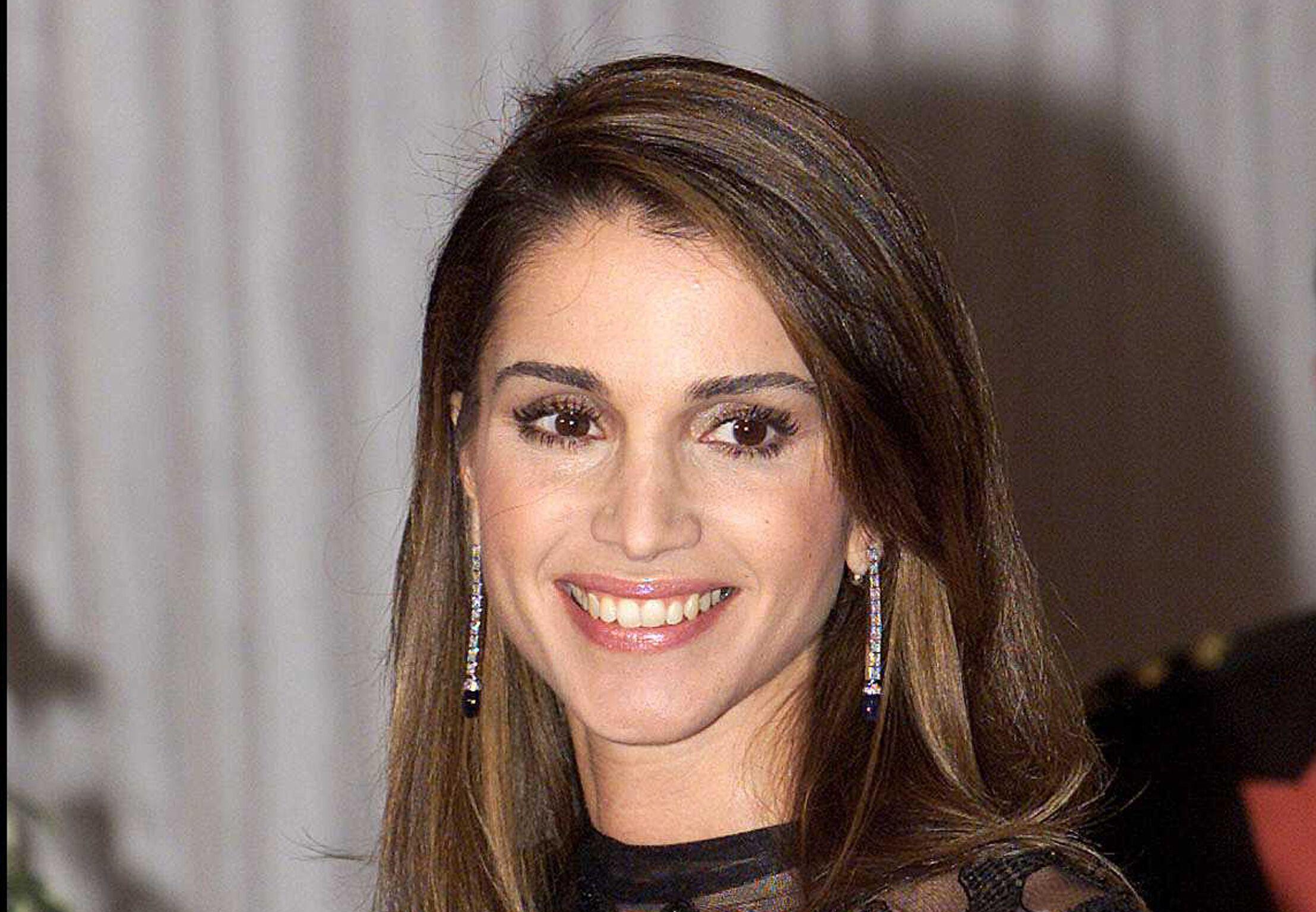 Rania De Jordanie La Biographie De Rania De Jordanie Avec Gala Fr