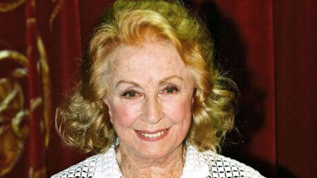 danielle darrieux la biographie de danielle darrieux avec. Black Bedroom Furniture Sets. Home Design Ideas
