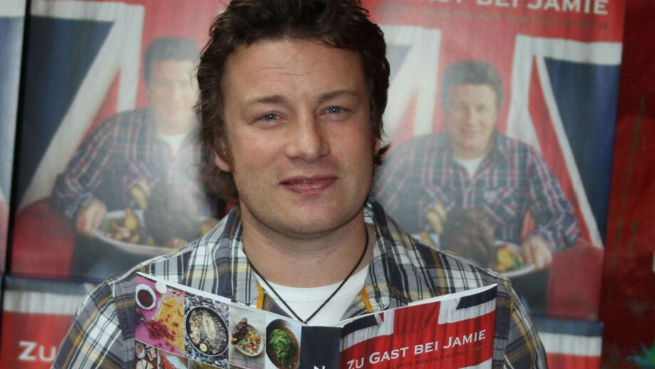 Jamie oliver la biographie de jamie oliver avec for Cuisinier oliver