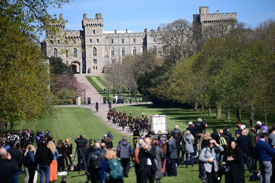 Des membres de la Royal Horse Artillery au château de Windsor, avant les funérailles du prince Philip samedi 17 avril 2021