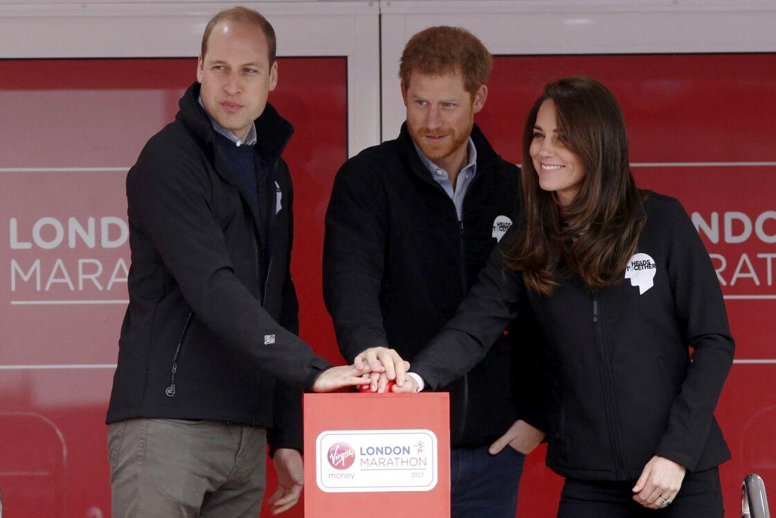 Proche de son frère, le prince Harry a été en froid avec le prince William pendant de nombreux mois. Si la réconciliation est imminente aux yeux de certains, notamment en raison de la fausse couche de Meghan Markle, d'autres en doutent encore