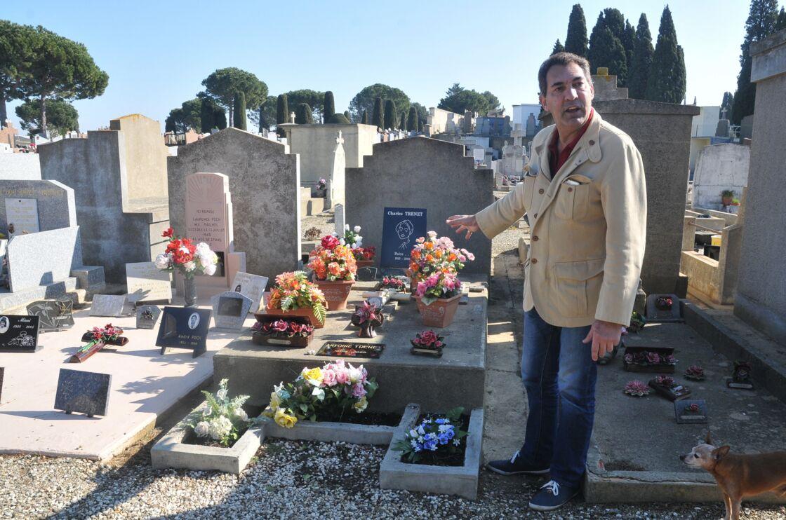Depuis la mort de Charles Trenet, Georges El Assidi, son unique héritier, se rend régulièrement sur la tombe du chanteur au cimetière de Narbonne.