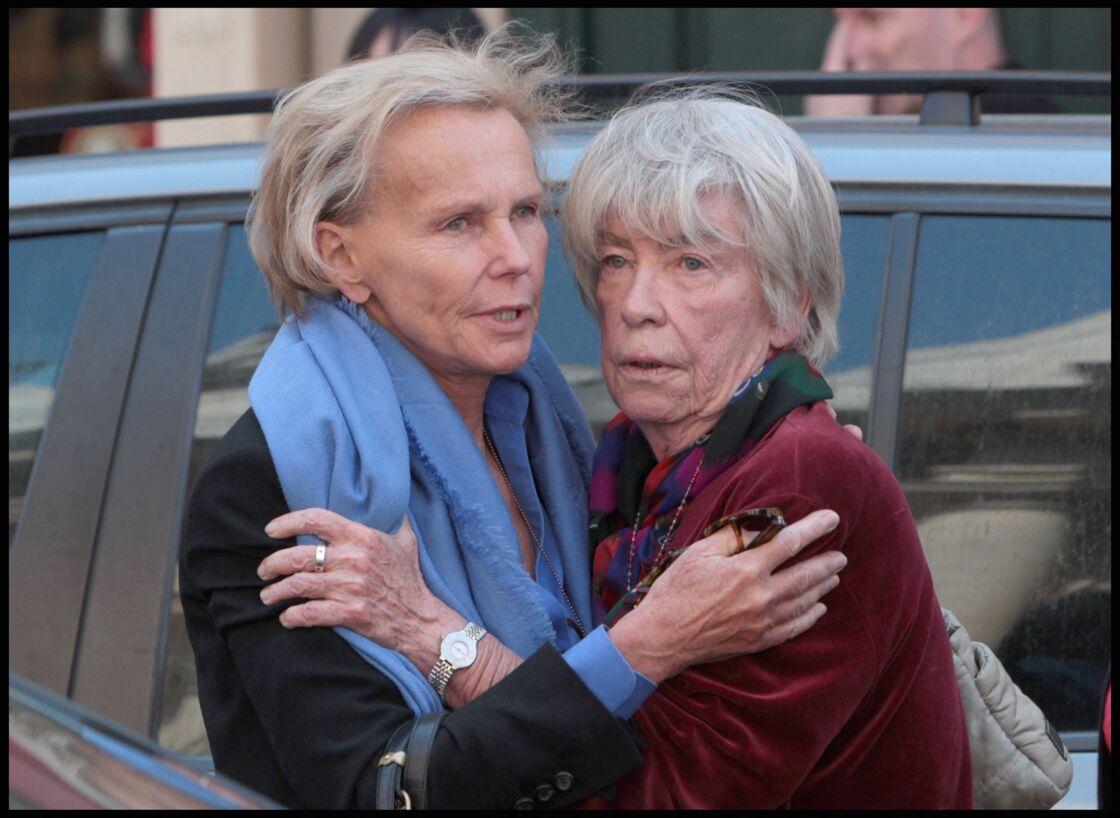 Christine Ockrent et Évelyne Pisier à l'église Saint-Roch, à Paris, pour rendre hommage à Marie-France Pisier, le 5 mai 2011.