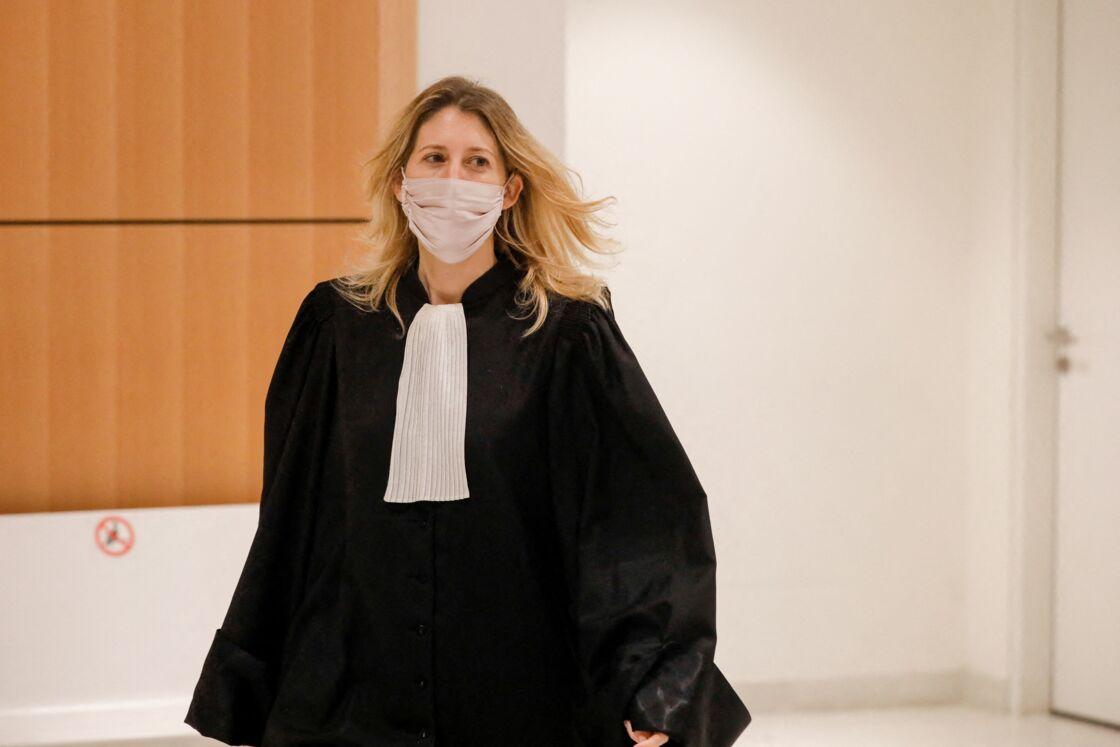Julia Minkowski (avocate et femme de B.Griveaux) - Interruption de séance pour l'examen médical de G.Azibert lors du procès des