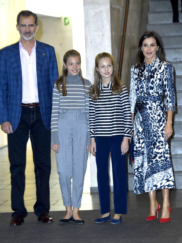 Le roi Felipe VI d'Espagne, l'infante Sofia, la princesse Leonor, la reine Letizia - 10ème jubilé de la fondation Princesse de Girona (Princess of Girona Foundation) à Barcelone le 5 novembre 2019.