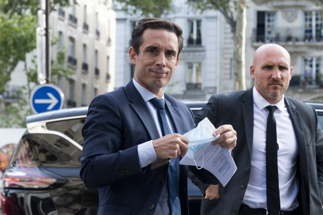 Alors qu'il fait face à une crise sans précédent, Emmanuel Macron ne tolère plus aucun faux pas. Jean-Baptiste Djebbari, ministre délégué chargé des Transports, l'a appris à ses dépens.