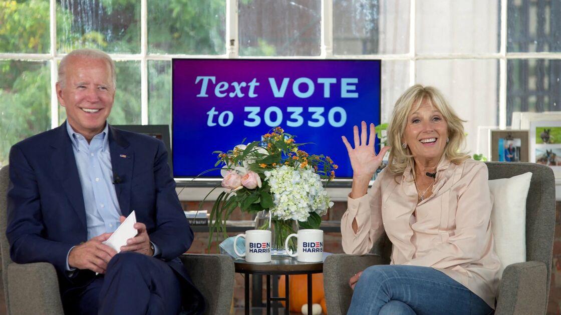 Jennifer Lopez et son fiancé Alex Rodriguez conversent avec le candidat Joe Biden et sa femme Jill par vidéoconférence, quelques semaines avant les élections présidentielles américaines. Le 16 octobre 2020.