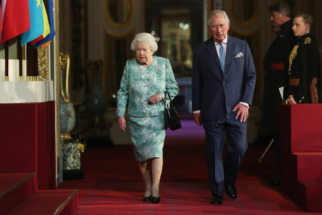 Sa Majesté Elizabeth II et le prince Charles au palais de Buckingham le 19 avril 2018
