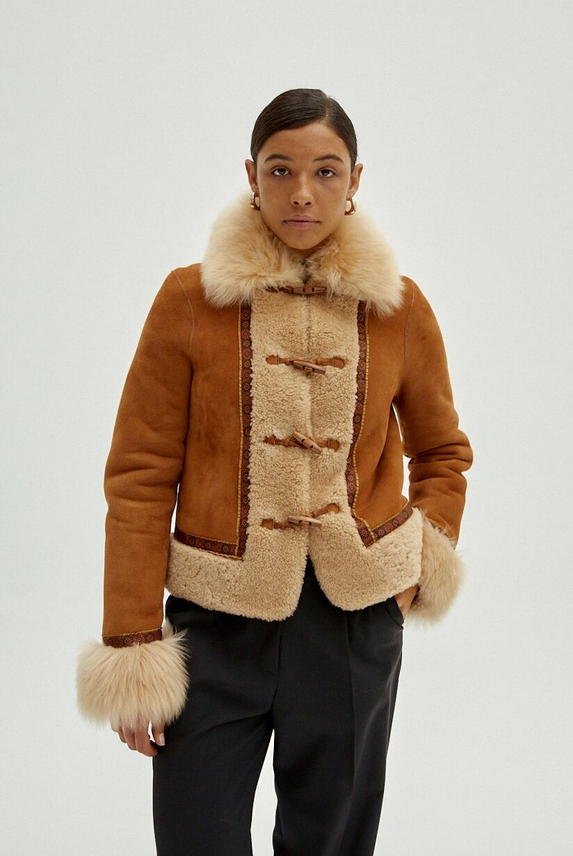 Veste Livy en peau lainée camel, 449€, Musier Paris