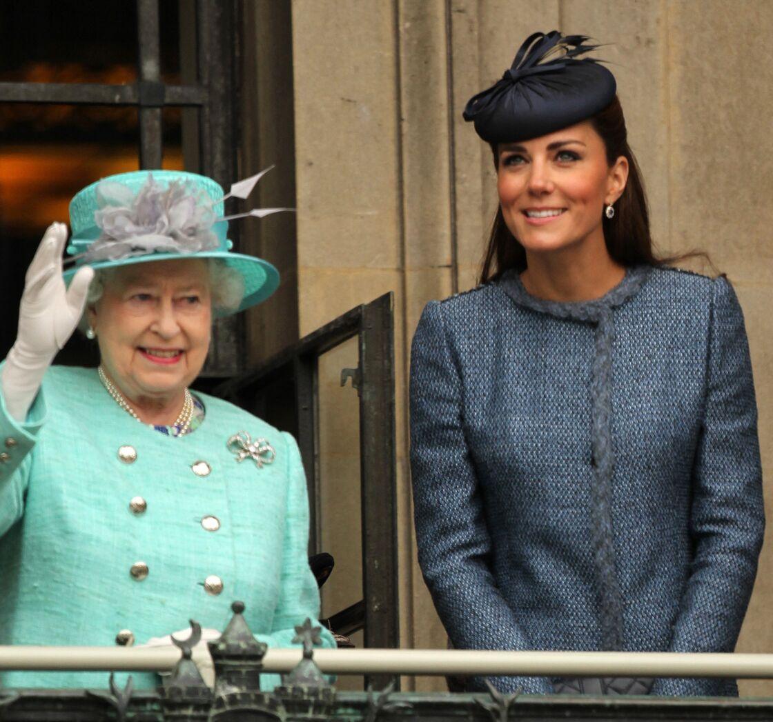 Derrière son initiative, une future reine en devenir. Car, depuis plusieurs années, Kate Middleton écoute attentivement les conseils de Sa Majesté Elizabeth II, avec qui elle partage une touchante complicité