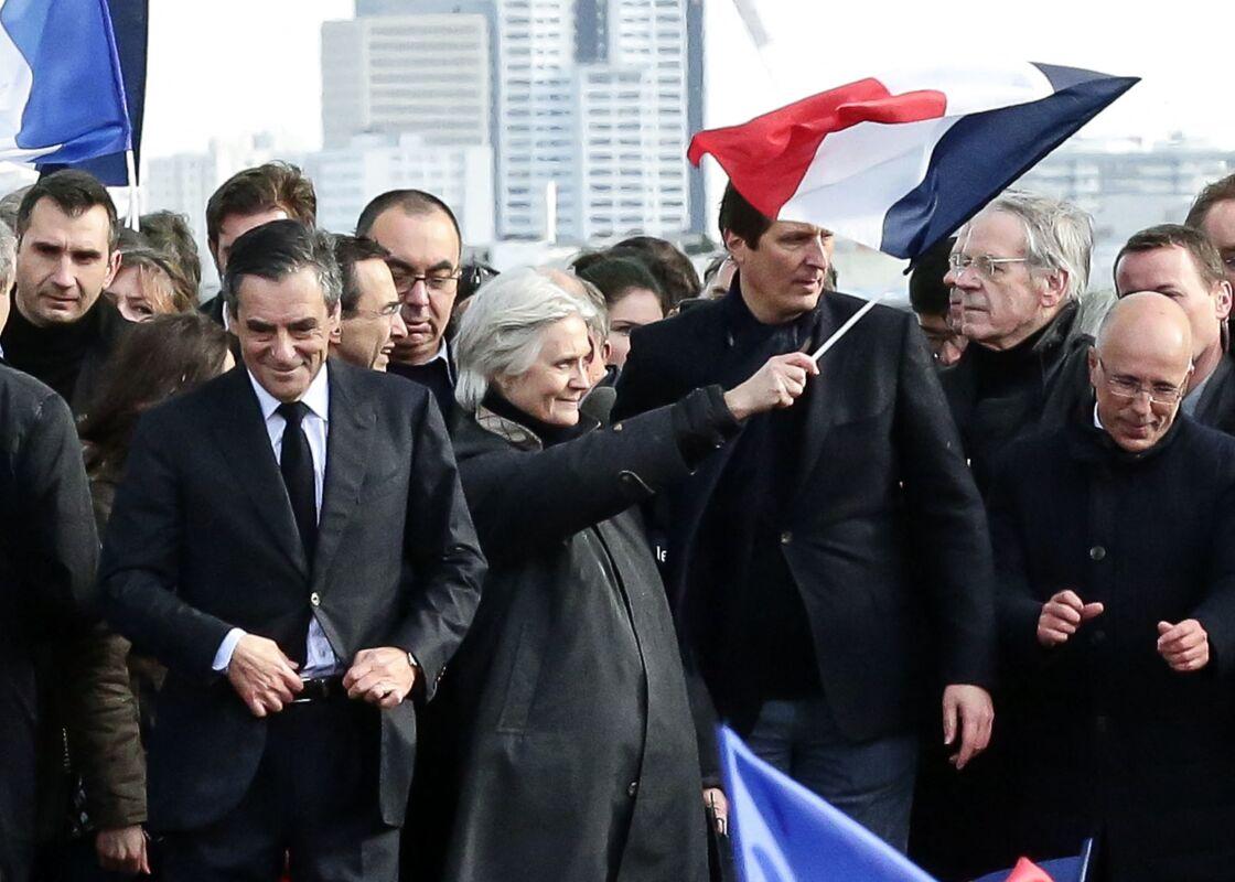 François et Penelope Fillon sur la Place du Trocadéro à Paris le 5 mars 2017