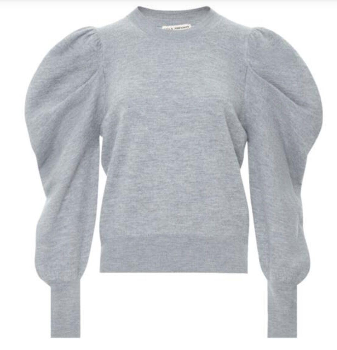 Des manches ballons pour twister un petit pull ( Pull en laine merinos, Ulla Jonhson, 745 €, chez Smallable).
