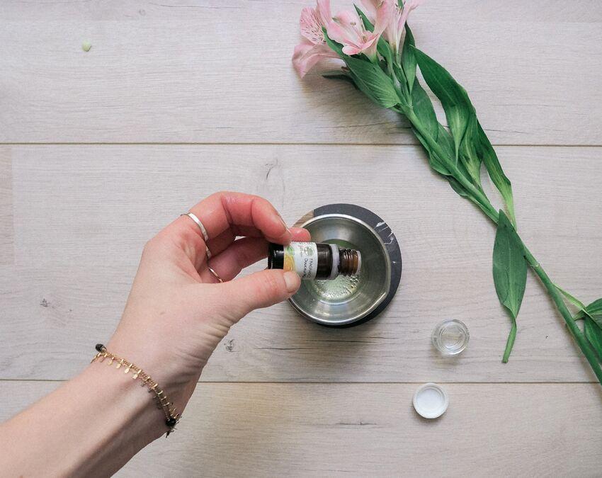 Pour un baume à lèvre parfumé, ajoutez 2 gouttes de la fragrance de votre choix.