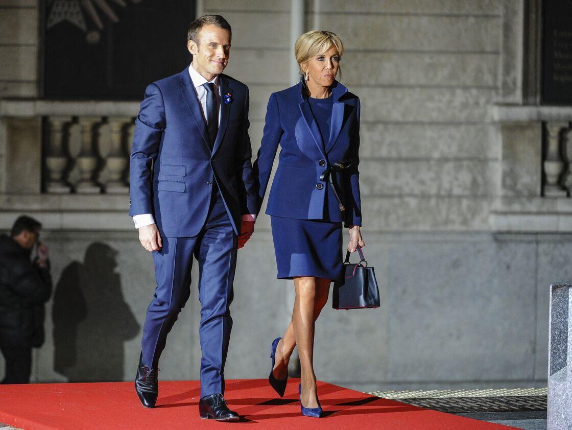 En couple avec Emmanuel Macron depuis plus de vingt ans, Brigitte Macron était une femme influente bien avant son arrivée à l'Élysée.