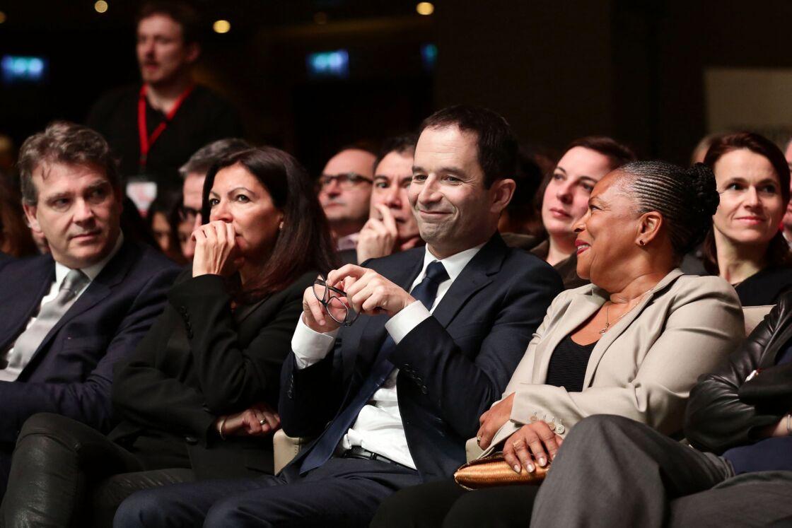 Arnaud Montebourg, Anne Hidalgo, Benoît Hamon, Christiane Taubira lors du discours d'investiture de Benoît Hamon, après sa victoire à la primaire de la gauche à la Mutualité, à Paris, France, le 5 février 2017.