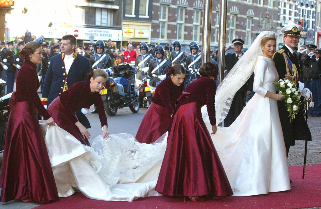 Lors de son mariage, le 2 février 2002, Máxima Zorreguieta, future reine du Pays-Bas, a choisi une robe de mariée Valentino.