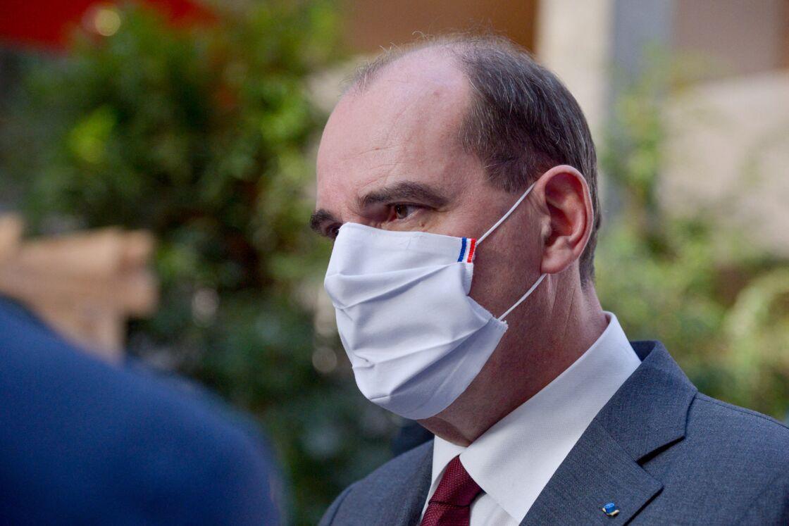 Laurent Wauquiez, président de la région Auvergne-Rhône-Alpes et Jean Castex, Premier ministre lors de la signature de l'accord de relance territoriale 2021-2022 de 2,1 milliards d'euros, à Lyon, France, le 16 janvier 2021.