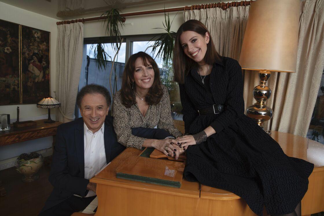 Michel Drucker en famille avec sa fille et sa petite fille