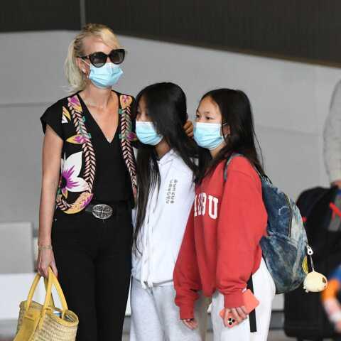 PHOTO – Laeticia Hallyday avec Jade et Joy: mère et filles complices
