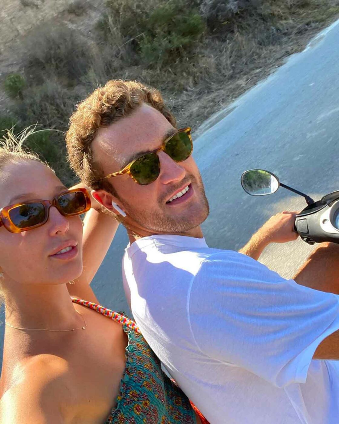 Maria Olympia de Grèce et son petit ami, Peregrine Pearson, lors d'une visite familiale à l'été 2020, sur l'île de Spetses